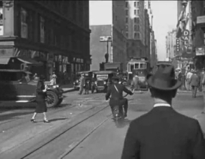 Driving Around New York City_1928.mp4_000044944